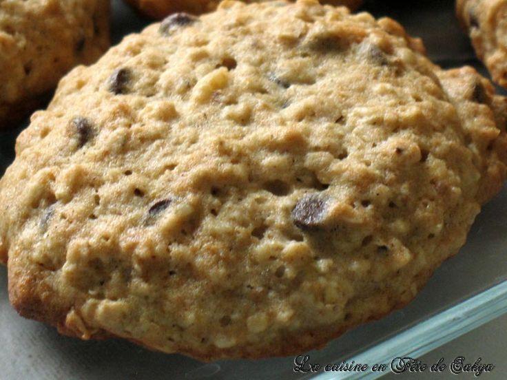 Délicieux biscuits aux bananes moelleux et gouteux Avec du gruau, chocolat et noix Je les recommande fortement Biscuits aux bananes...