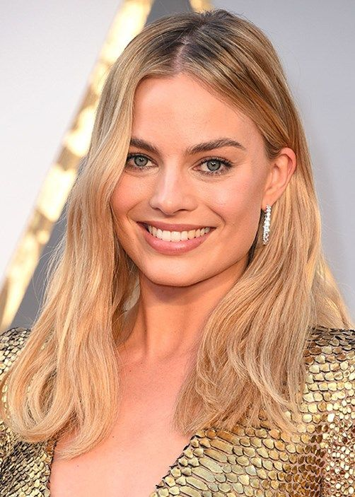 Expert tips to get Margot's bronzed skin, golden highlights and tousled waves