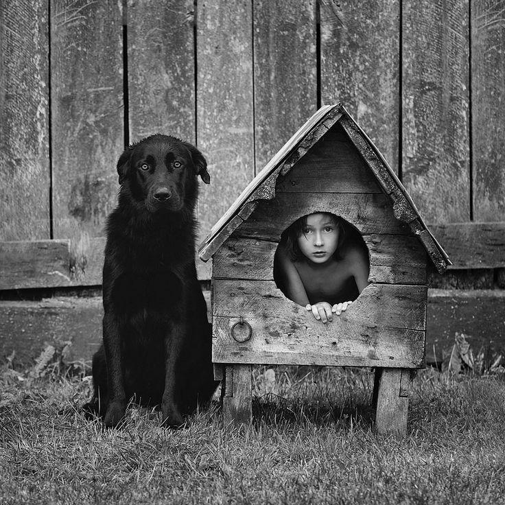 sublime travail de Sebastian Luczywo, père de deux enfants, qui prend des photographies incroyables et réconfortantes de sa famille accompagnée de leurs animaux domestiques.