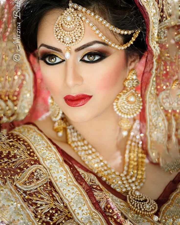 Yashna Necklace Set by indiatrendshop.com