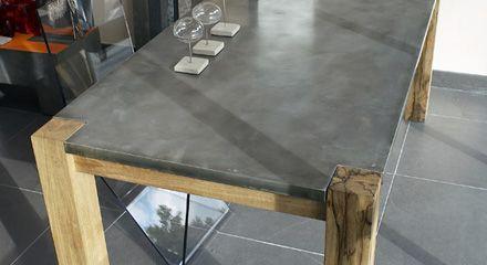 Table rectangulaire en zinc et bois
