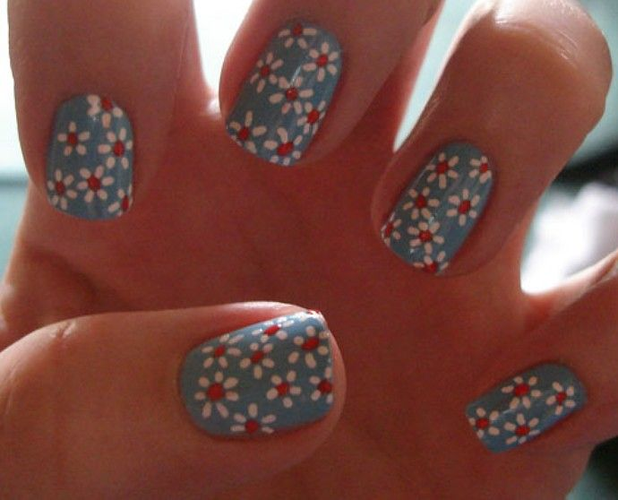 cute nails using a dotting tool