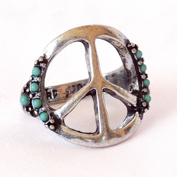 loooove this ring, peace sign w/ turquoise