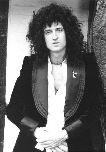 As a guitarist, lyricist, vocalist, astrophysicist, and avid animal rights activist among other things, Brian really does it all. Hoping he has an amazing birthday.