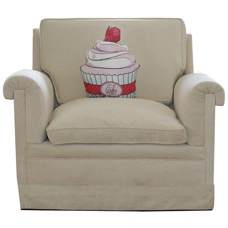 https://www.gibidesign.com/urun-detay/24/cilekli-cupcake.html GibiDesign - Çilekli Cupcake - Yastık / Kırlent  Strawberry Cupcake Cushion Evinizin en lezzetli aksesuarı Çilekli Cupcake şekilli yastık / kırlent.   * Gibi Tasarım Ürünü  * Çilekli Cupcake Şekilli Yastık / Kırlent  * Silikon Elyaf Dolgulu  * Saten Kumaşa Özel Tasarım Baskı * Arkası Beyaz Saten  * El İşçiliği Kesim ve Dikiş  * Nemli Bez ile Silinebilir  * Ölçüler = En: 40 cm, Derinlik: 15 cm , Yükseklik: 46 cm