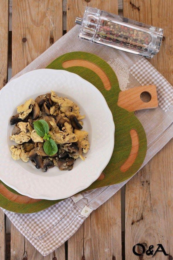 Olio e Aceto: Ricetta straccetti di pollo al latte con funghi