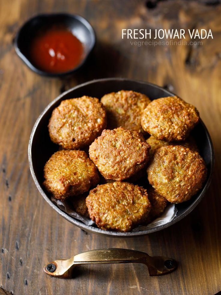 Ponk Vada are crisp, tasty and spiced vadas made with Fresh Jowar Grains (Sorghum). These tender jowar grains are healthy and nutritious. They are called as ponk in gujarati language and hurda in marathi language.