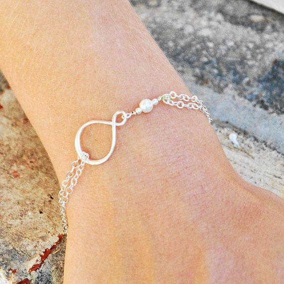 8 OFF SET OF 4 Bridesmaid Bracelets by MyDistinctDesigns on Etsy, $105.00