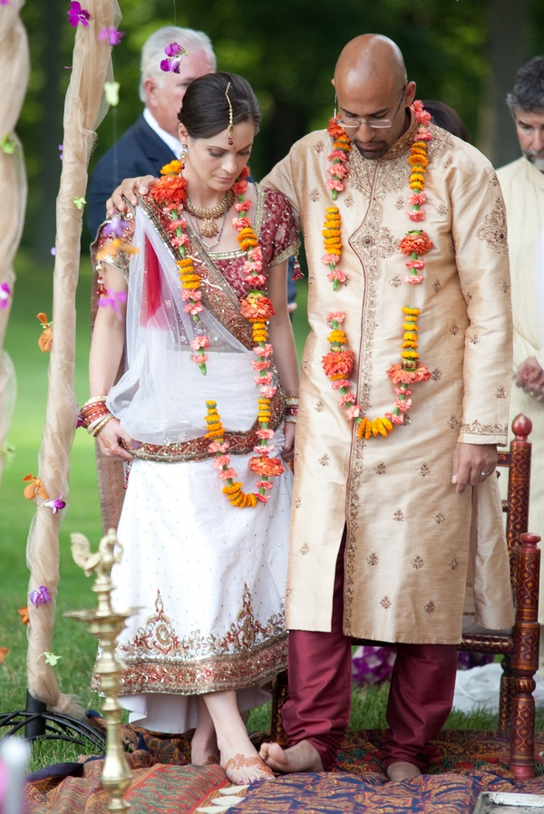 Colorful Hindu Wedding Ceremony Themarriedapp Hearted 3 Bollywoodbride Indianwedding Desi