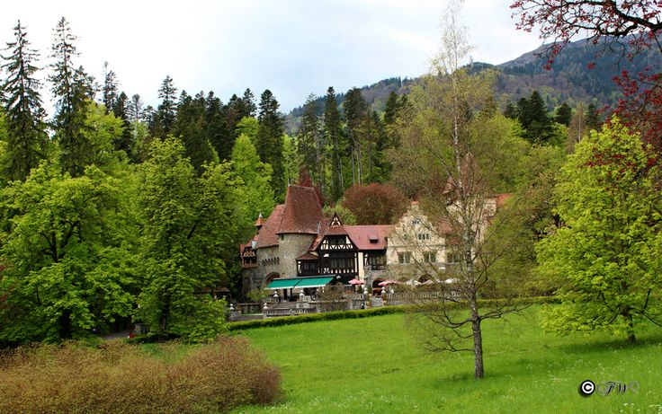Complex La Tunuri - Vila Economat. of Peles Castle, located on the Royal Domain directly opposite the castle and just 100 metres from Pelisor Castle.