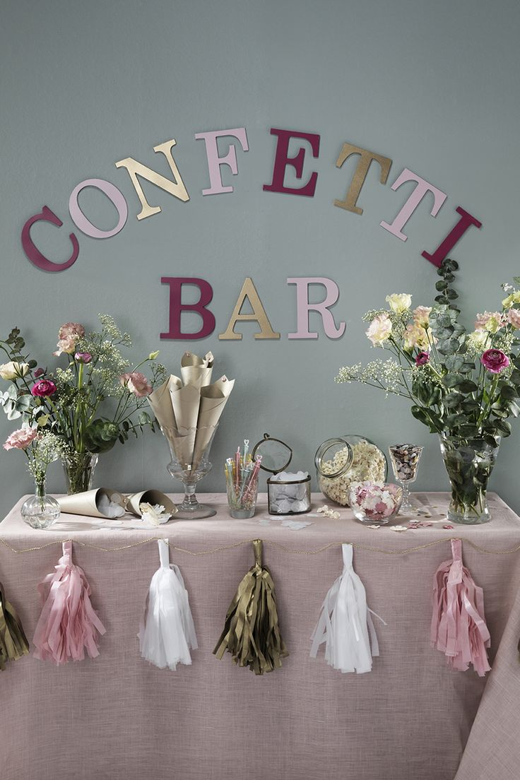 Confetti bar www.pandurohobby.com #wedding #flowers #diy #justmarried #purple #pink #tablesetting