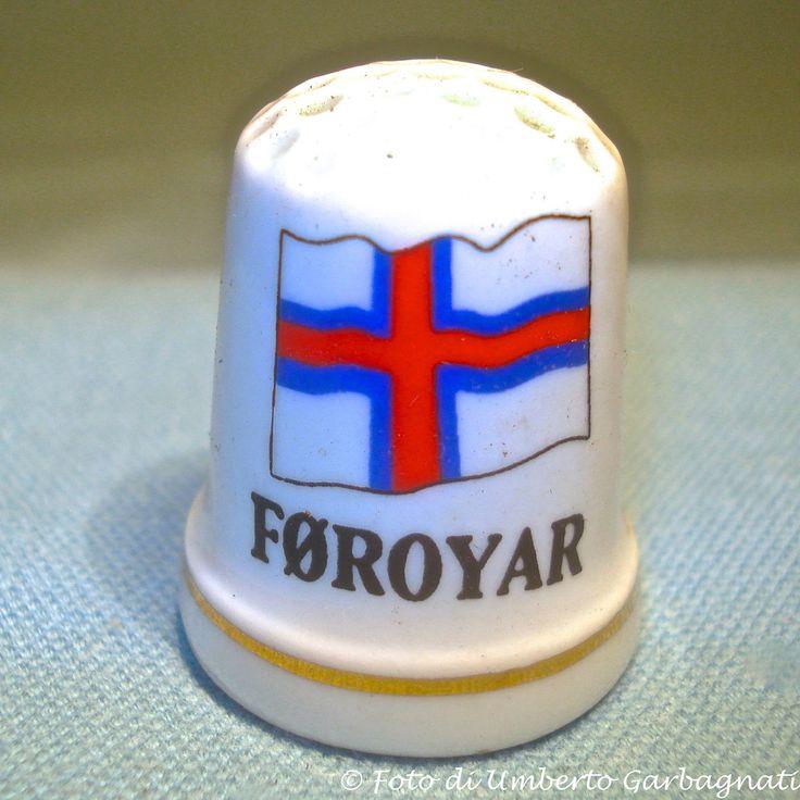 "...Ditale in porcellana ""Føroyar (isole Faroe)"" (DK) - © Umberto Garbagnati -."