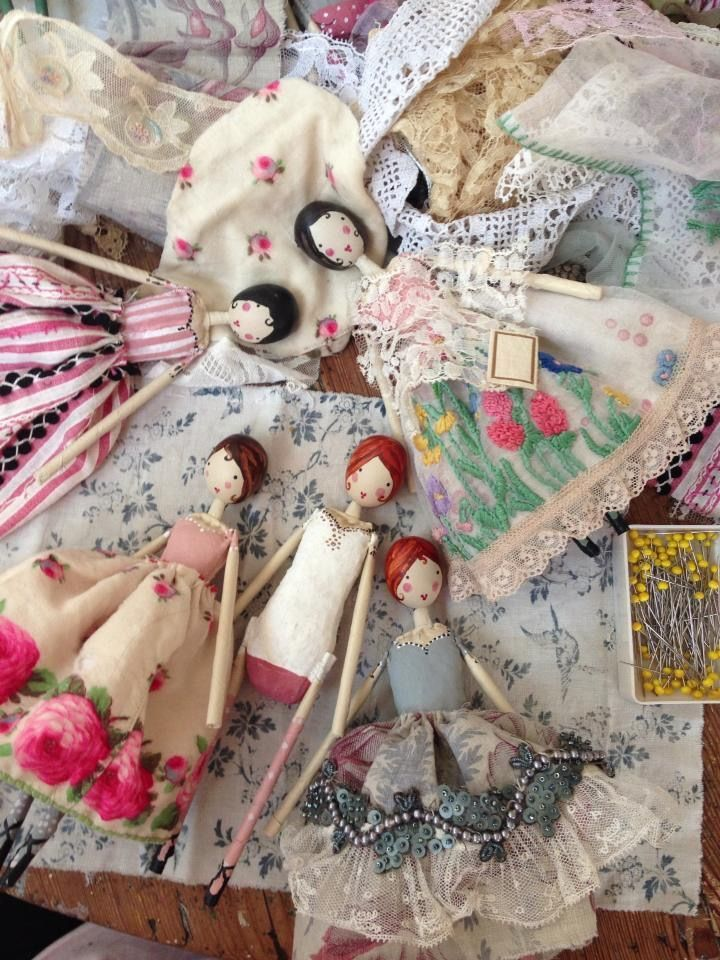 Just love these darling dolls. Vintage handkerchiefs would make great skirts!