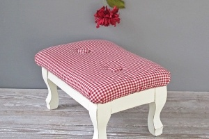 katybitsandpieces: Decor Ideas, Creative Crafts, Foot Stools, Fabrics, Cottages, Footstool, Things, Diy, Vintage Foot