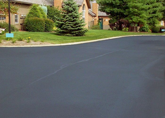 Get top quality #asphalt #contractors in #Bronx at the lowest rates. #AsphaltContractor Click to read more: http://www.generalroofingcontractorsbronx.com/asphalt-driveway/