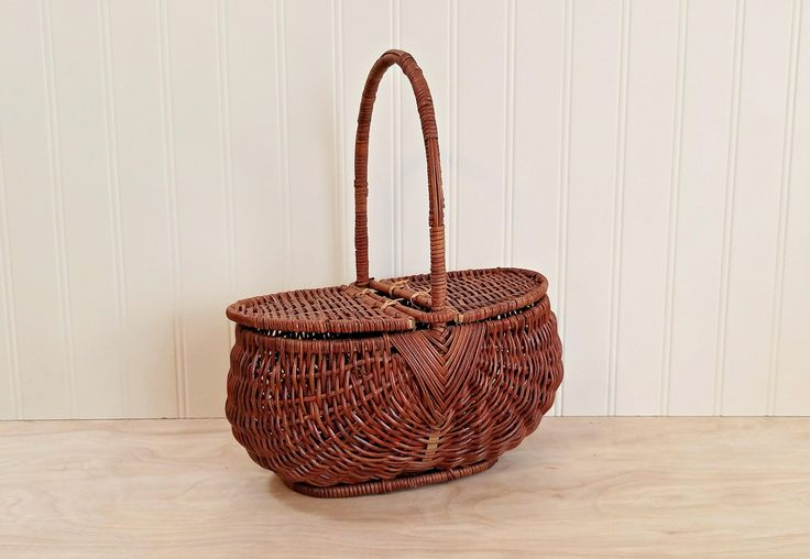 Vintage Wicker Basket With Lid Lunch Basket Small Picnic Basket With Handle Children's Basket Sewing Basket Craft Basket Dorothy Costume by HipCatRetroVintage on Etsy
