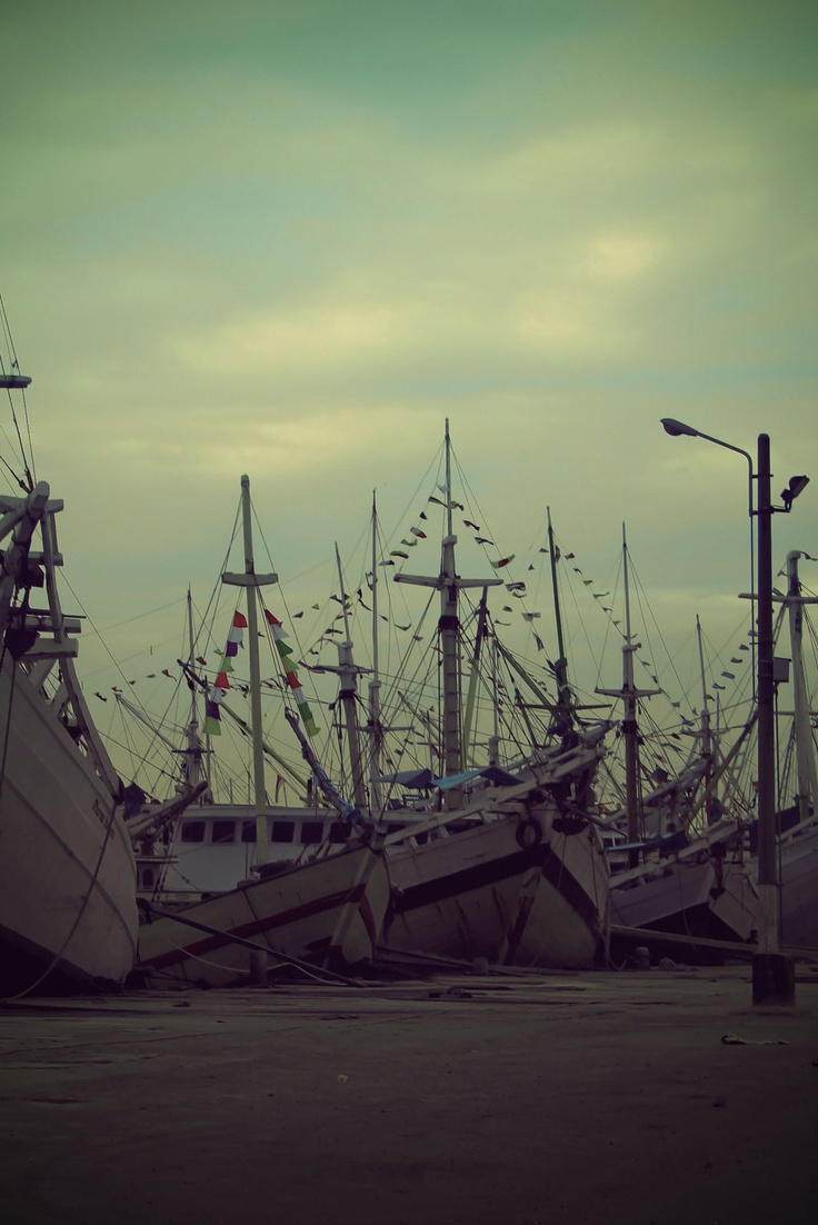 Paotere de Haven by ~privasick on deviantART    Pelabuhan Paotere, Makassar, South Sulawesi, Indonesia