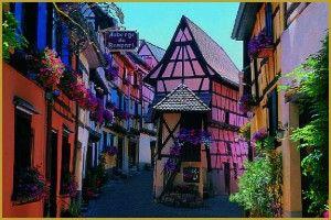 Ecomusée d'Alsace: un village du début du 20ème siècle à visiter, avec ses jardins, ses rues, sa rivière et surtout l'ensemble des maisons, fermes, écoles, chapelle, gare, ateliers d'artisans, moulins…. Des artisans cherchent à préserver les savoir-faire traditionnels et des métiers qui ont quasiment disparus - Toutes nos offres de locations vacances en Alsace sur www.dreamarent.com/location-vacances/alsace/1