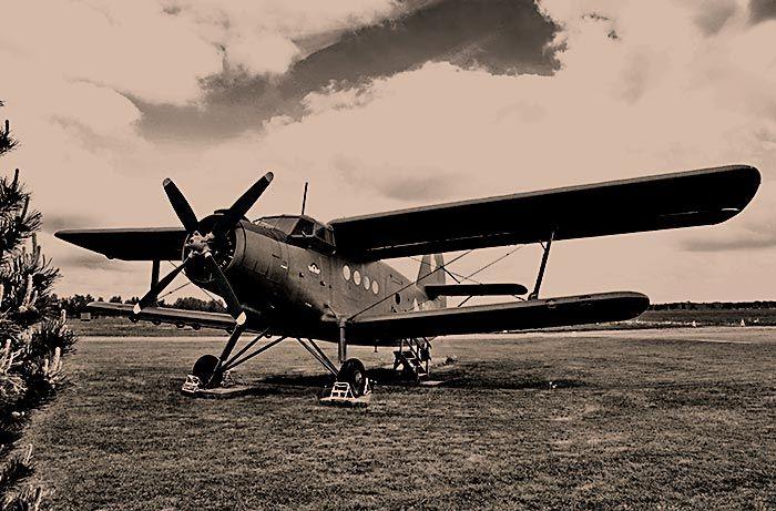 Plane. Images of the art. Flugzeug AN-2 https://www.l-seifert.de/bilder-technik/Flugzeug.html