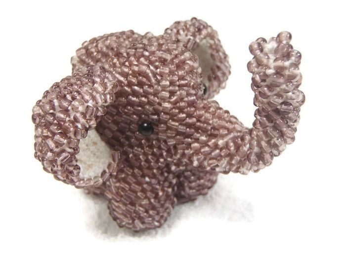 knitting with beads. master class on knitting elephant: http://hobbiz.ru/conf-sales/vmi/0202162/