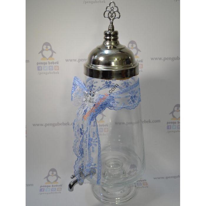 Mavili Gümüş Şerbet Sebili, Mavi dantel kurdela, fiyonk ve aynalı kral tacı ile süslenerek sizin, bebeğiniz ve aileniz için hazırlanmıştır. Pengu Bebek