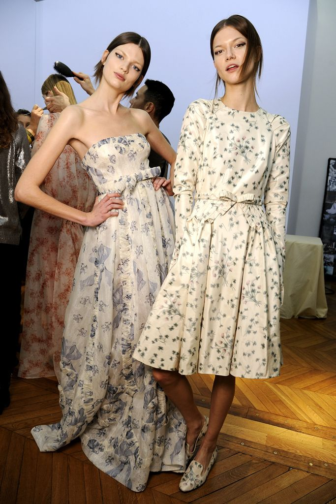 Valentino spring 2012 couture details gallery style for Couture meaning in english