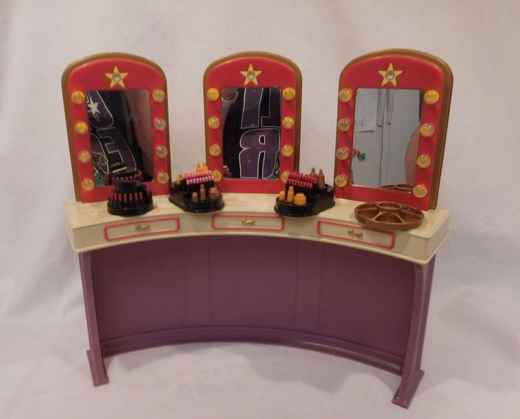 2005 Barbie My Scene Goes Hollywood Dressing Room G6145