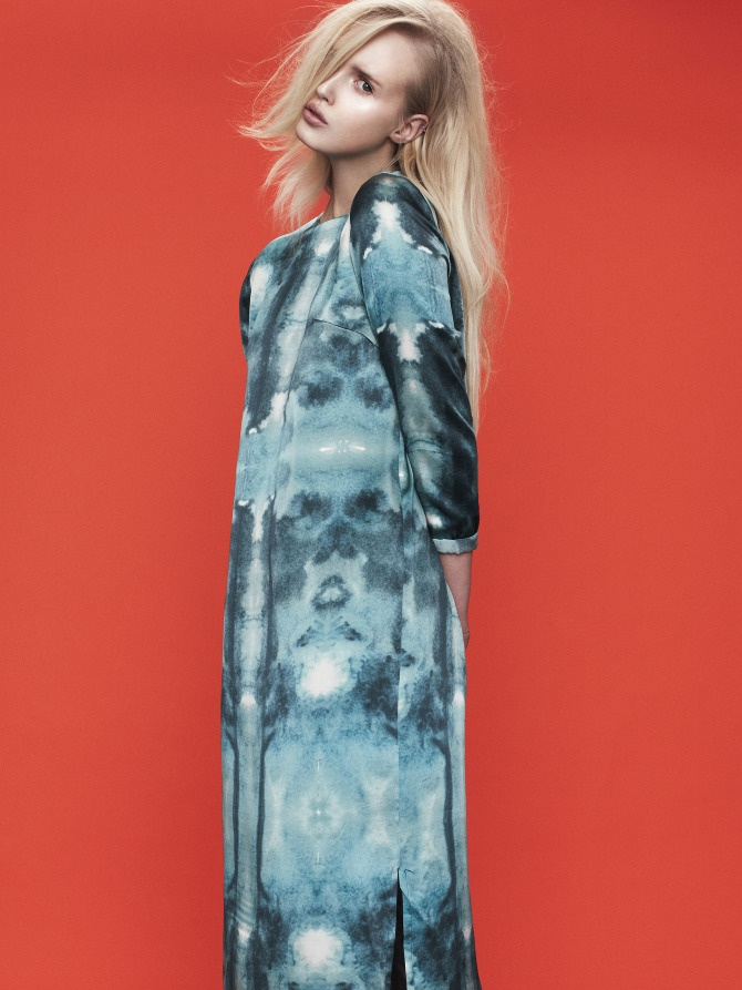 Design: Maria Carstens // Dress in sandwashed silk with watercolor insect print