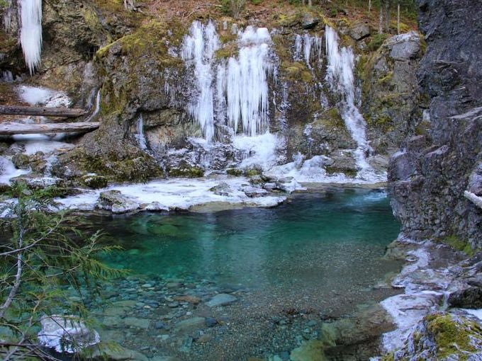 5 best trails within an hour of Salem (A view of the Little North Santiam's Three Pools area just off the Little North Santiam Trail)