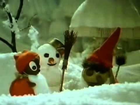 Pittiplatsch - Drei Weihnachtsmänner im Schnee