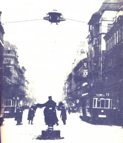 1926-ban Budapesten rendszerbe állították az első közúti jelzőlámpát a Nagykörút és a Rákóczi út kereszteződésénél.