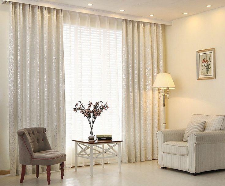 Фото декора для гостиной с кожаным диваном впервые составляла