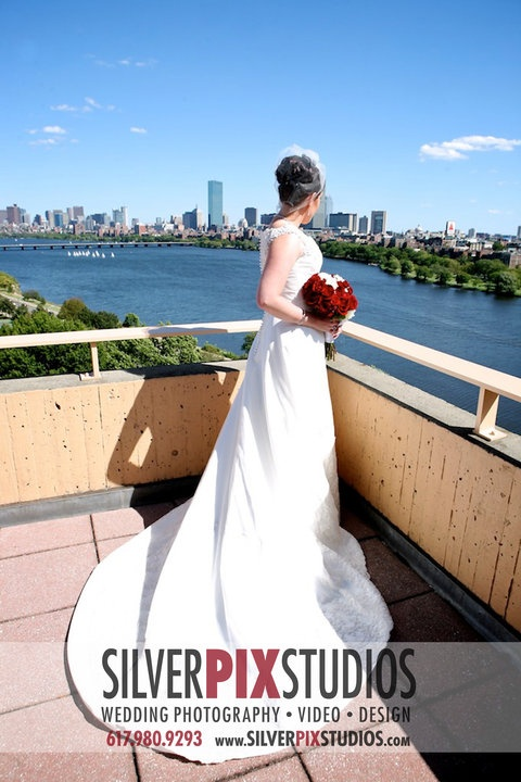 Hyatt Cambridge, Ma. Looking over the city of Boston. A sheek city wedding. Photography by Amber Maher-Gilbert-CEO, Silver PIx Studios