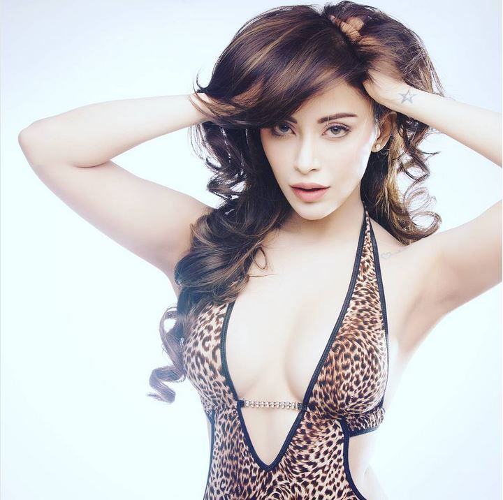 15 Hot & Sexy Photos of Angela Krislinzki | Rogue Movie Fame