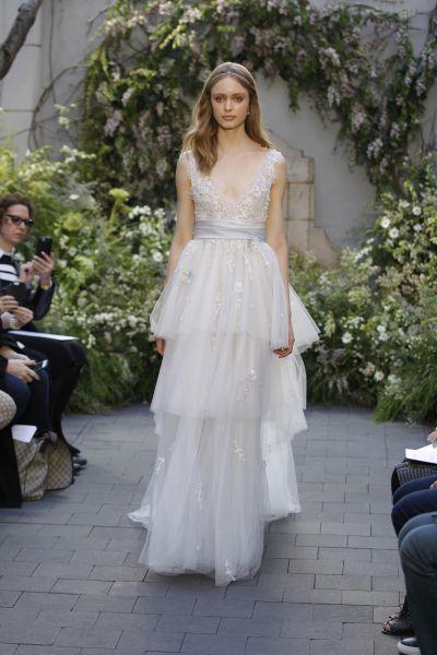 Vestidos de novia corte imperio 2017: ¡para todo tipo de mujeres! Image: 4