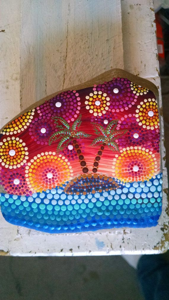 Large Beach Stone Hand Painted Dot Art Ocean por P4MirandaPitrone