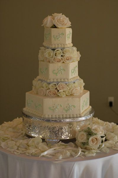 hexagon wedding cakes best 25 hexagon wedding cake ideas on 1 tier 15216