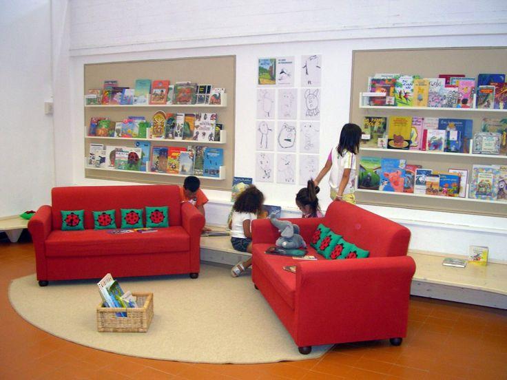 scuola materna, zona lettura.
