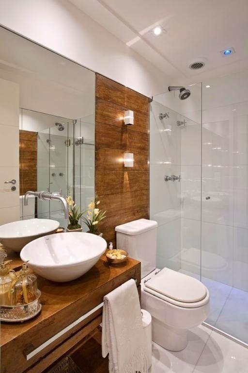 12 Banheiros e lavabos com porcelanato que imita madeira!! - Jeito de Casa                                                                                                                                                                                 Mais