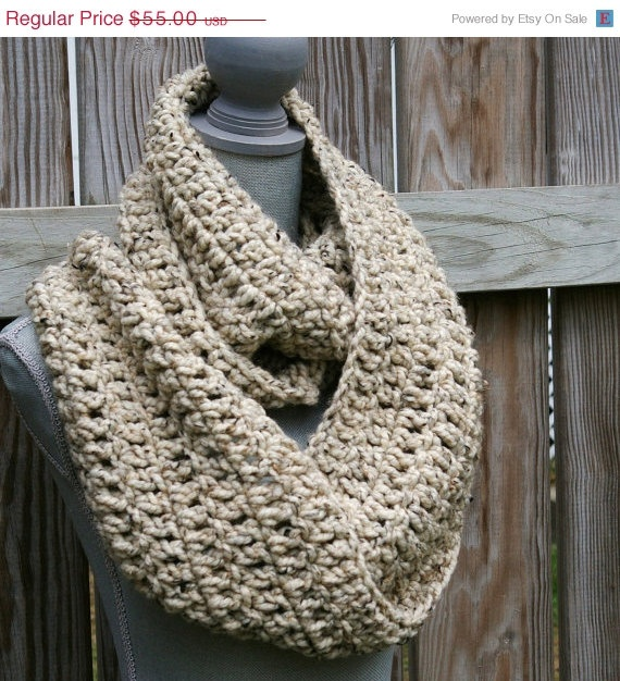 chunky crochet cowl infinity scarf yarn yumm