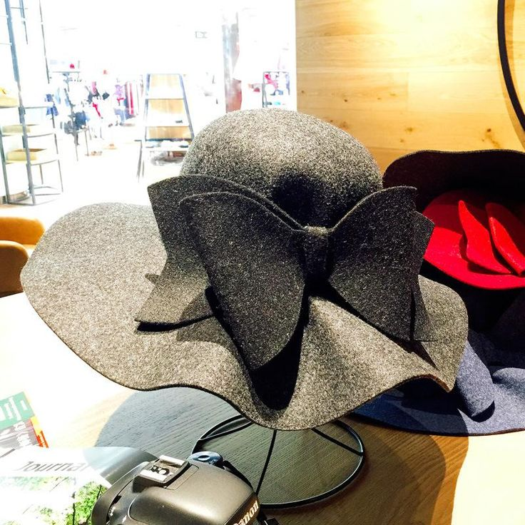 Bow Tie Fedoras Felt Hats Women Autumn Winter Cap For Women Europe Classic Girl Vintage Hat Wave Brim