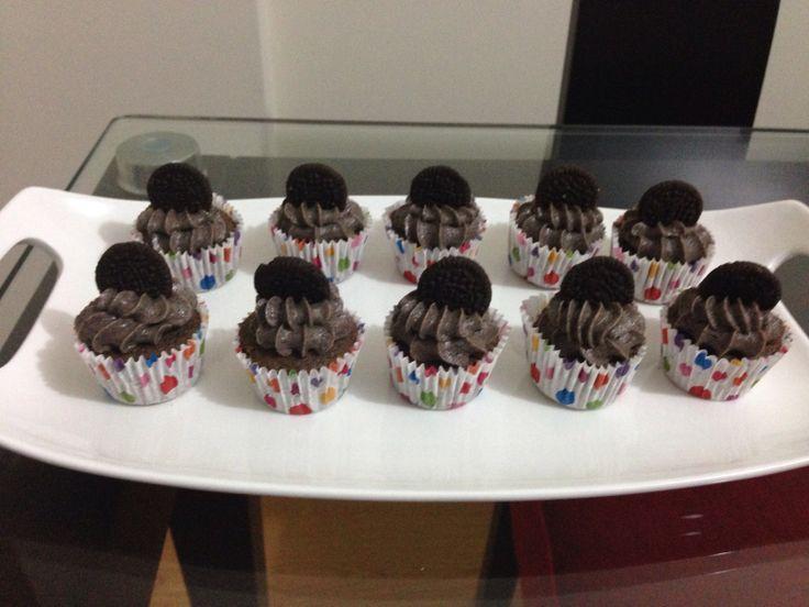 Mini Cupcakes de Oreo con Frosting de Oreo y su mini galletita :)