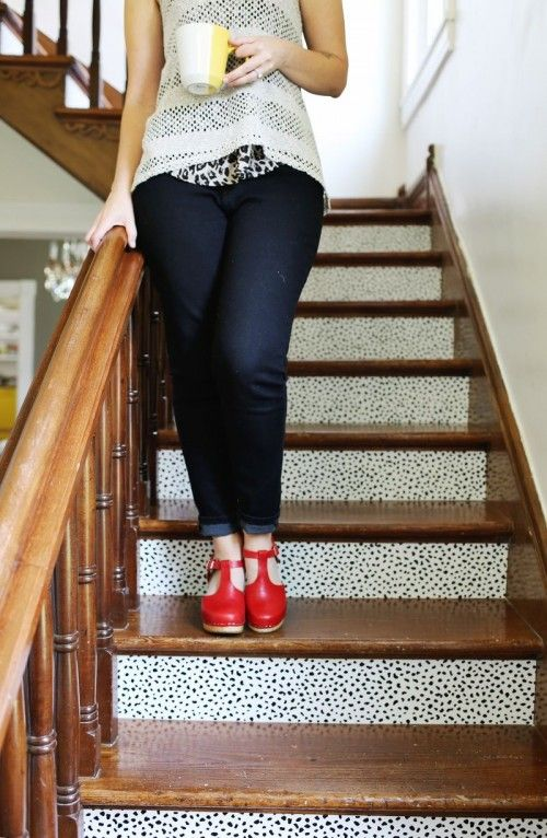 So Passen Sie Die Treppe Mit Lösbaren Tapeten