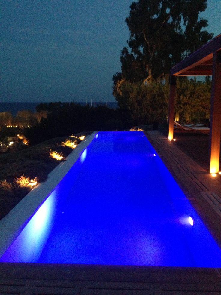 Piscine nuit Private House Island Varkiza Athènes