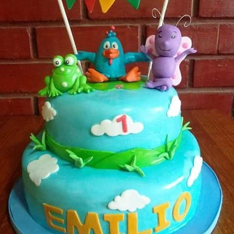 #La_Gallina_Pintadita #fondant #cake by Volován Productos  #instacake #Chile #puq #VolovanProductos #Cakes #Cakestagram #SweetCake
