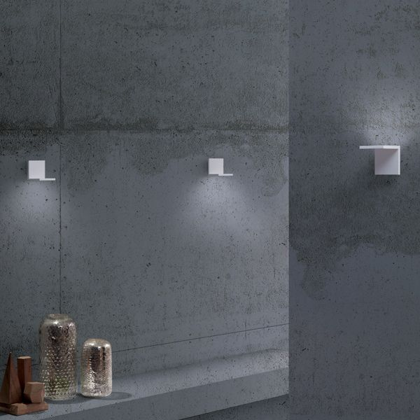 Elle LED Wall Lamp