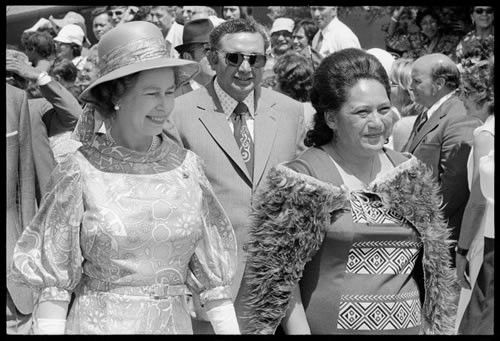 Māori and English Queens, 1974 | NZHistory, New Zealand history online