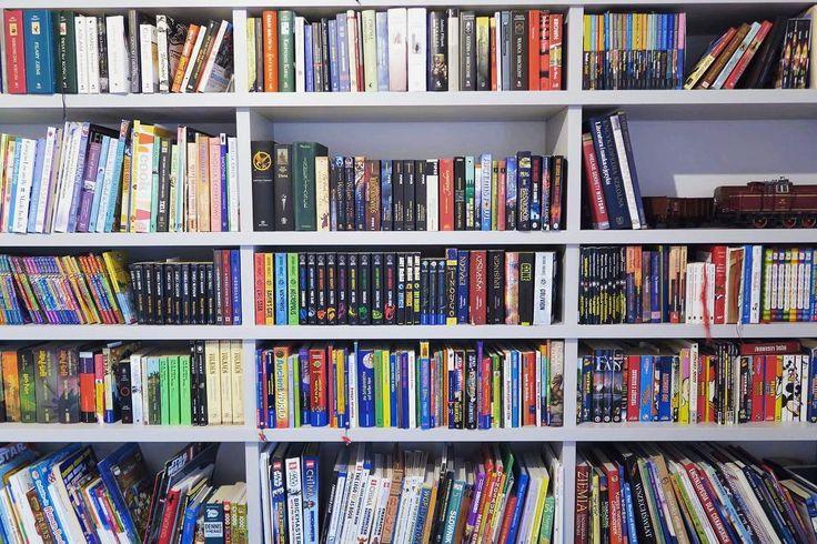 Kto chciałby mieć taki regał? Jeśli podoba Wam się nasze wykonanie to serdecznie zapraszamy do współpracy. #book #książka #regal #regalo #bookshelf #bookinsta #design #decor #home #furniture #meble #mieszkanie #jobtime #instaphoto