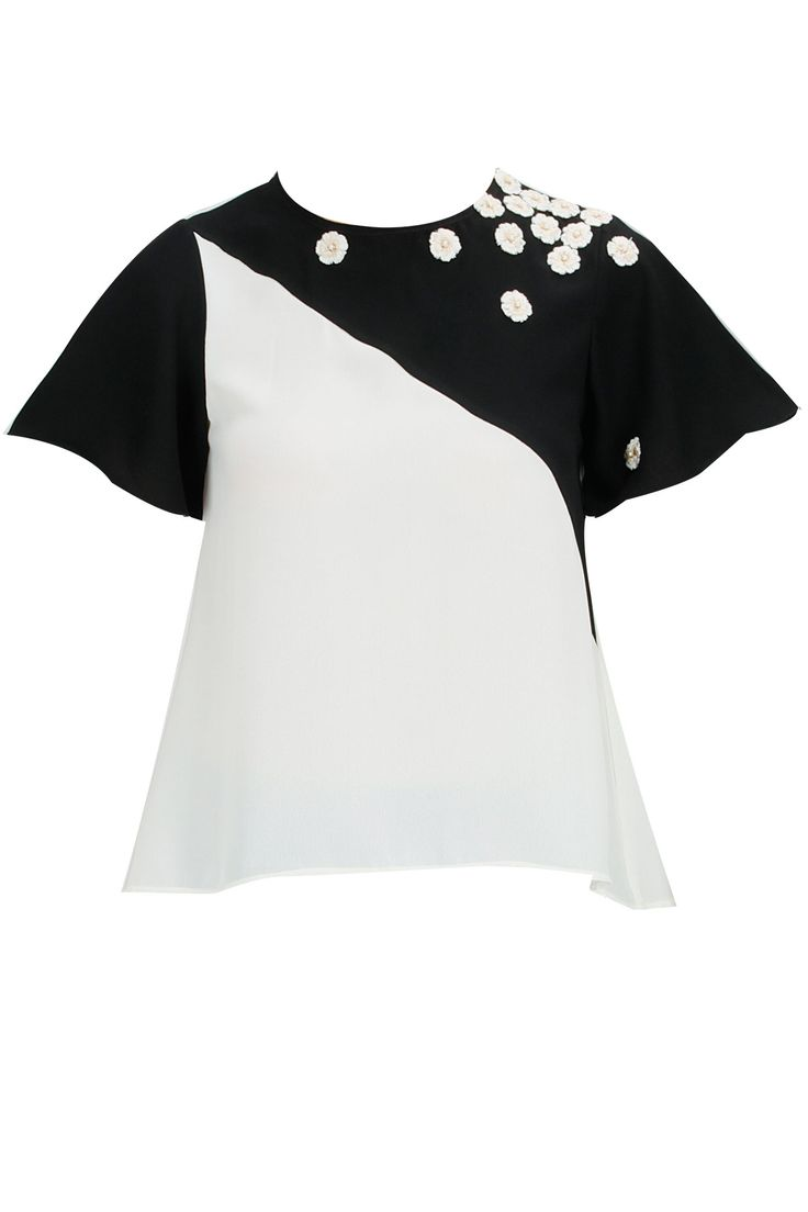 Black and cream slant color blocked top by Ridhi Mehra. Show now www.perniaspopups...  #designer #fashion #updates #shopnow #perniaspopupshop #happyshopping
