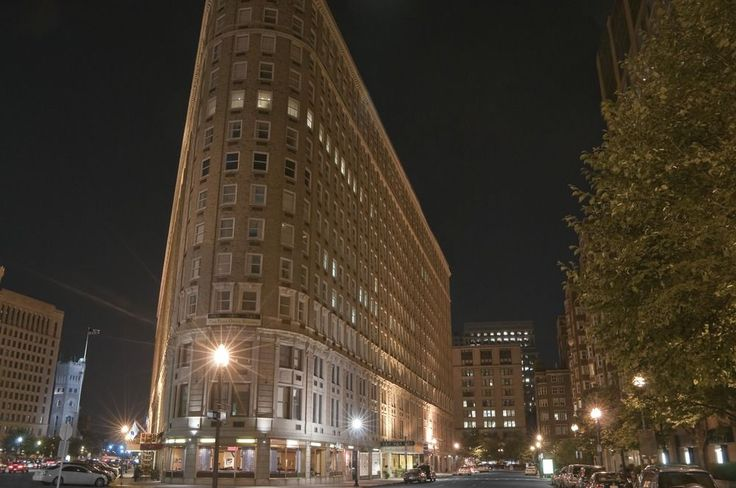 Boston Park Plaza - Hotels.com - Hotel rooms with reviews. Discounts and Deals on 85,000 hotels worldwide